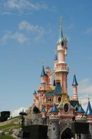 Disneyland Paris castle by fasciner