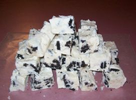 Cookies and Cream Fudge by WinterLaurel12