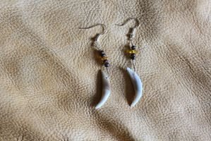 Fox and amber earrings by lupagreenwolf