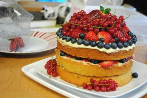 Glorified Victoria Sponge Cake by stuk-in-reality
