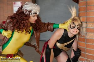 Rogue VS Ms Marvel by EccentricCasey