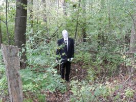 Slenderman Cosplay - A tip of the Unfitting Hat by Wylrin