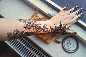 Detailed mehendi, henna paste on, side 2 by cydienne