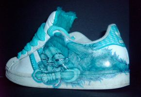 customised sneakers by lyns