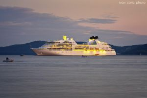 Seabourn Quest by ivancoric