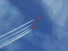 Red Arrows - Eastbourne Airbourne 2013 by Fragsey