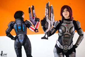 FemShep x2 by YurikoCosplay