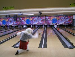 Gracefully bowling in a kilt.. by MrEd301