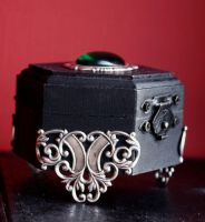 Gothic jewelry box by Pinkabsinthe