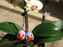 Sweetheart Needlefelted penguin charms by kneazlegurl125