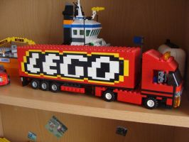 Lego delivery truck by Franszzz