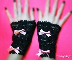 Gothic lolita black gloves by tinkypinky