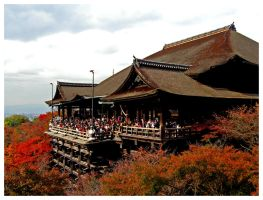 Crowd at Kiyomizu by chinotenshi