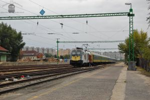 470 501 'Sisi' with IC train in Gyor -2013- 2 by morpheus880223