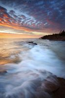 Day's End on Lake Superior by tfavretto