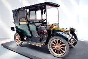 1910 Renault AG-Fiacre Paris by GladiatorRomanus
