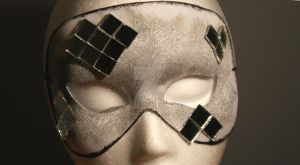 Silver Mirror Mask 1 by Gwend-O-Ithilien