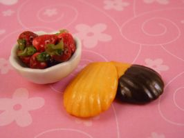 Madeleines and Strawberries by nyann