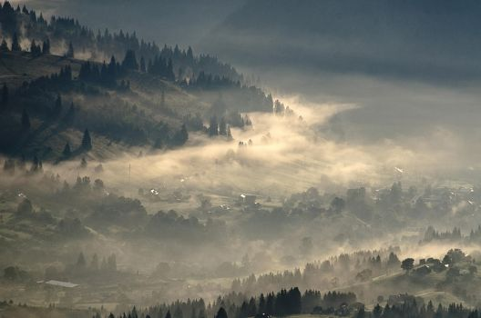 Foggy morning valleys 3 by empyrea1
