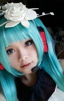 [Casual] Hatsune Miku Two Breaths Walking Cosplay by SpicaRy