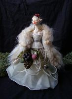 fairy queen of the winter court by BurlesqueMacabre