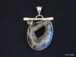 Oco Agate hole through pendant with Amethyst by Janski-Designs