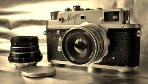 Old camera by mixxon