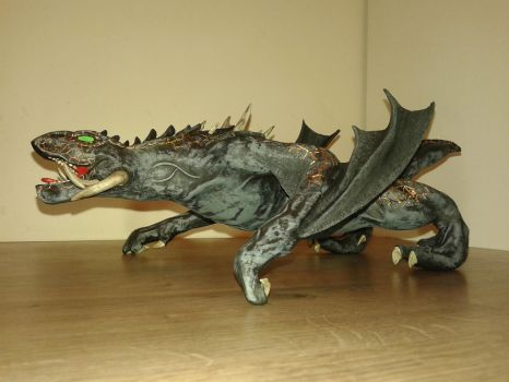 Game of Thrones Drogon sculpture 07 by TKnockers