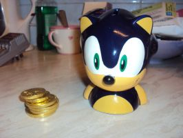 Sonic The Hedgehog Money Bank by DazzyDrawingN2