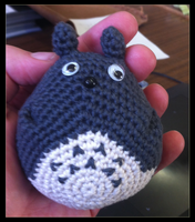 Totoro With Wobbly Eyes by Siobhan68