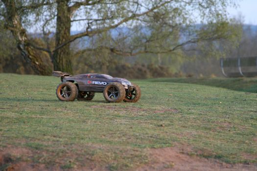 E-Revo - RC Car - Fun 5 by JimChuD