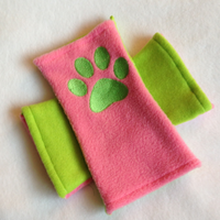 Candi Kitty Arm Warmers: Kiwi-Strawberry by PakajunaTufty