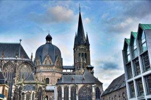 Aachen Cathedral HDR by DynOpt
