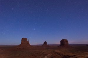 Monument Valley, night by alierturk