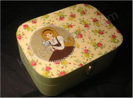 Alice . wood box by tuxinha
