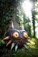 Majoras Mask - Wooden Replica by ThePropBox