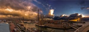 Harlingen in Autumn by Dynnnad