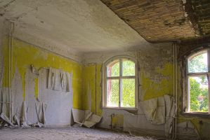 13-06 Yellow Room by evionn