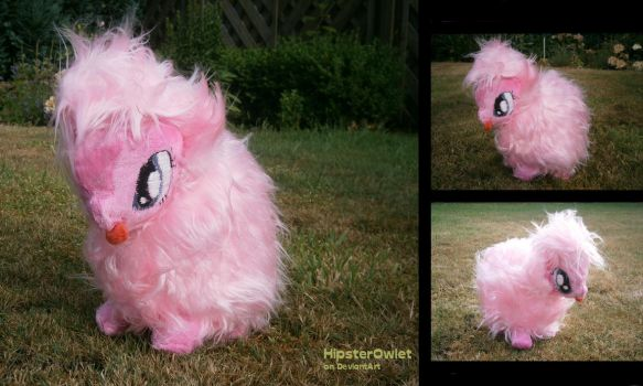 Fluffle Puff Plushie by HipsterOwlet