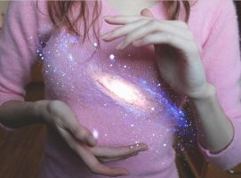 The universe at my hands by GabiAngelo