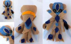 Teeny Tiny Protoss by Lyseebell