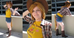Cosplay: Applejack, DragonCon Tourist by TempestFae