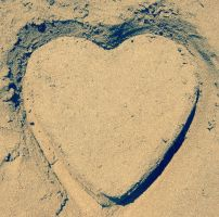 SAND HEART by Kartphotos
