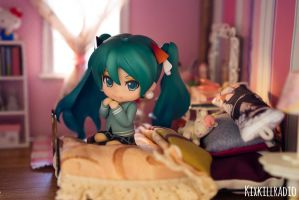 Little Girl Miku by kixkillradio