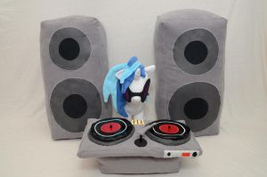 DJ Pon-3 Plushie with Turntable and Speakers by makeshiftwings30
