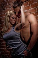 Alleyway lovers by chris-is-a-deviant