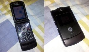 The coolest cell phone in the 2000s by KujaEx