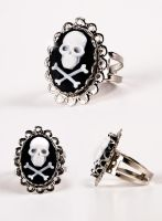 Crossbones Ring by francescadani