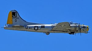 The B17 Liberty Belle by aaaa0000aaaaa