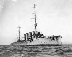 Battle of the Falklands HMS Glasgow a 1909 at Valp by lichtie